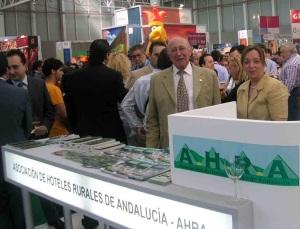 Isidro Pérez Molina, Presidente de A.H.R.A. y Dña. Anabel Polo, Tesorera de A.H.R.A.