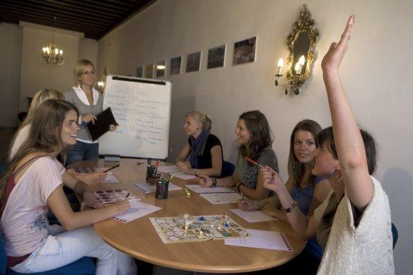 Aprende espanol con k2 Internacional
