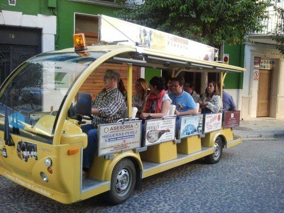 Conoce Priego en el bus turístico. Paseos Priego
