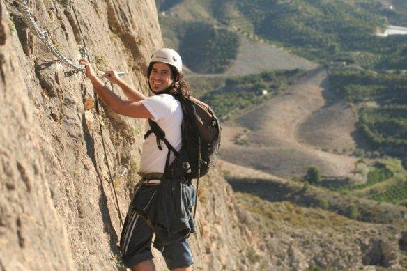 Vive la aventura en pleno contacto con la roca. Active Andalucía